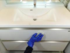 洗面棚クリーニング